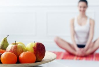 What to Eat and Drink After a Yoga Session